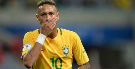 Left or right neymar